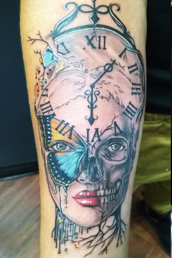 clock skull buttrffly