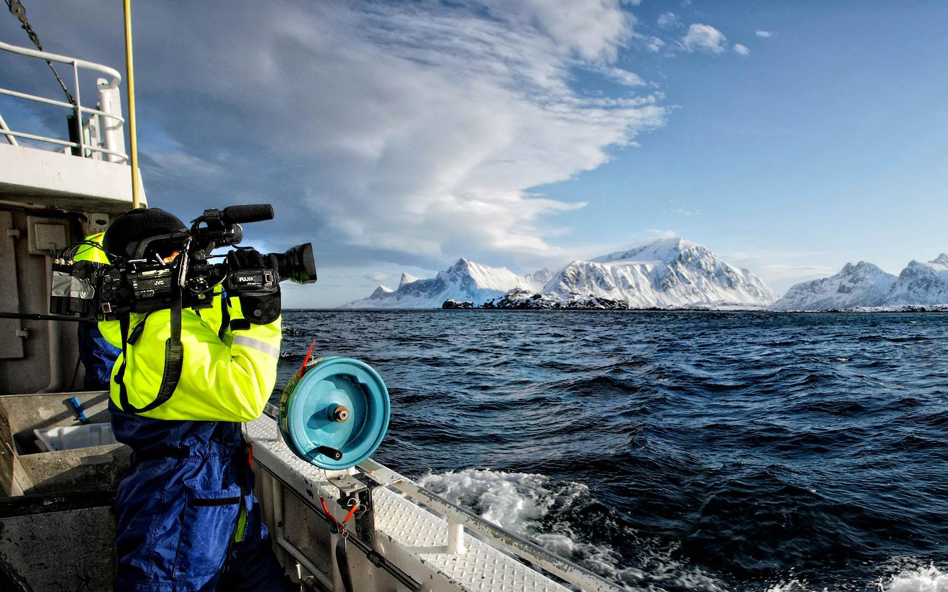 lofoten-islands-fishing-show-filming-photo-by-kent-miklenda-1920x1200.jpg
