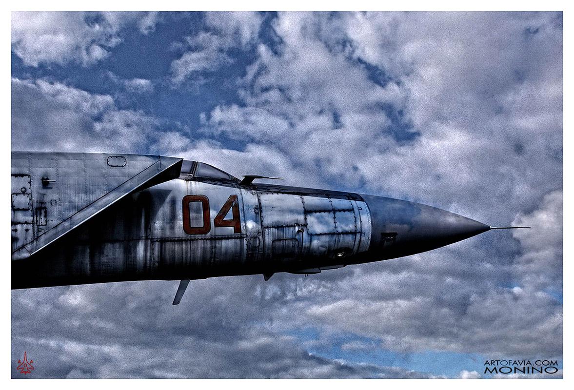 Mikoyan-Gurevich-MiG-25PD-Art-of-Avia-Central-Air-Force-Museum-Monino-by-Kent-Miklenda-800pxh-3-2-VS-A-BW.jpg