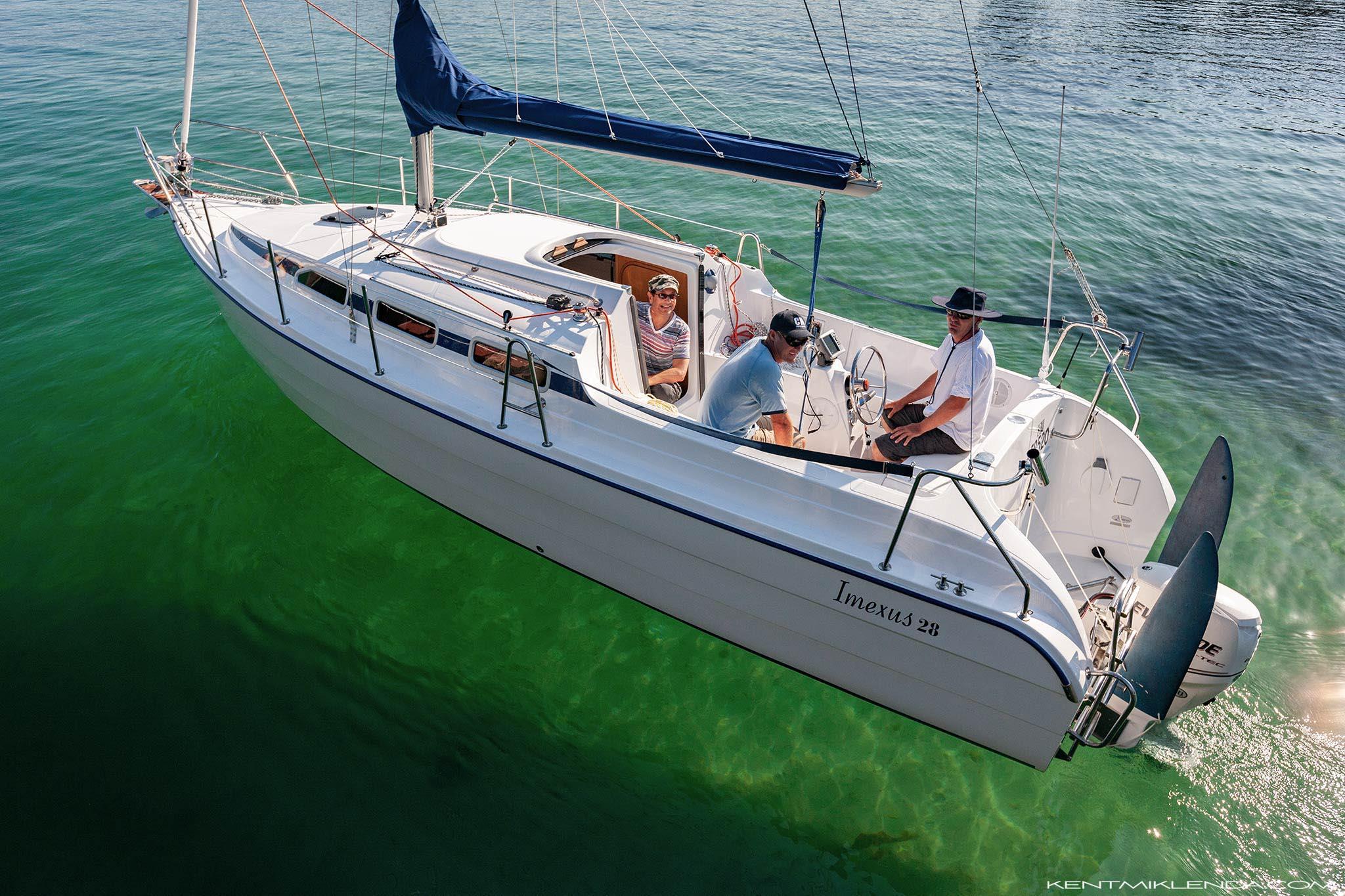 Imexus-28-passing-Manly-Wharf-2048x1365-KM.jpg