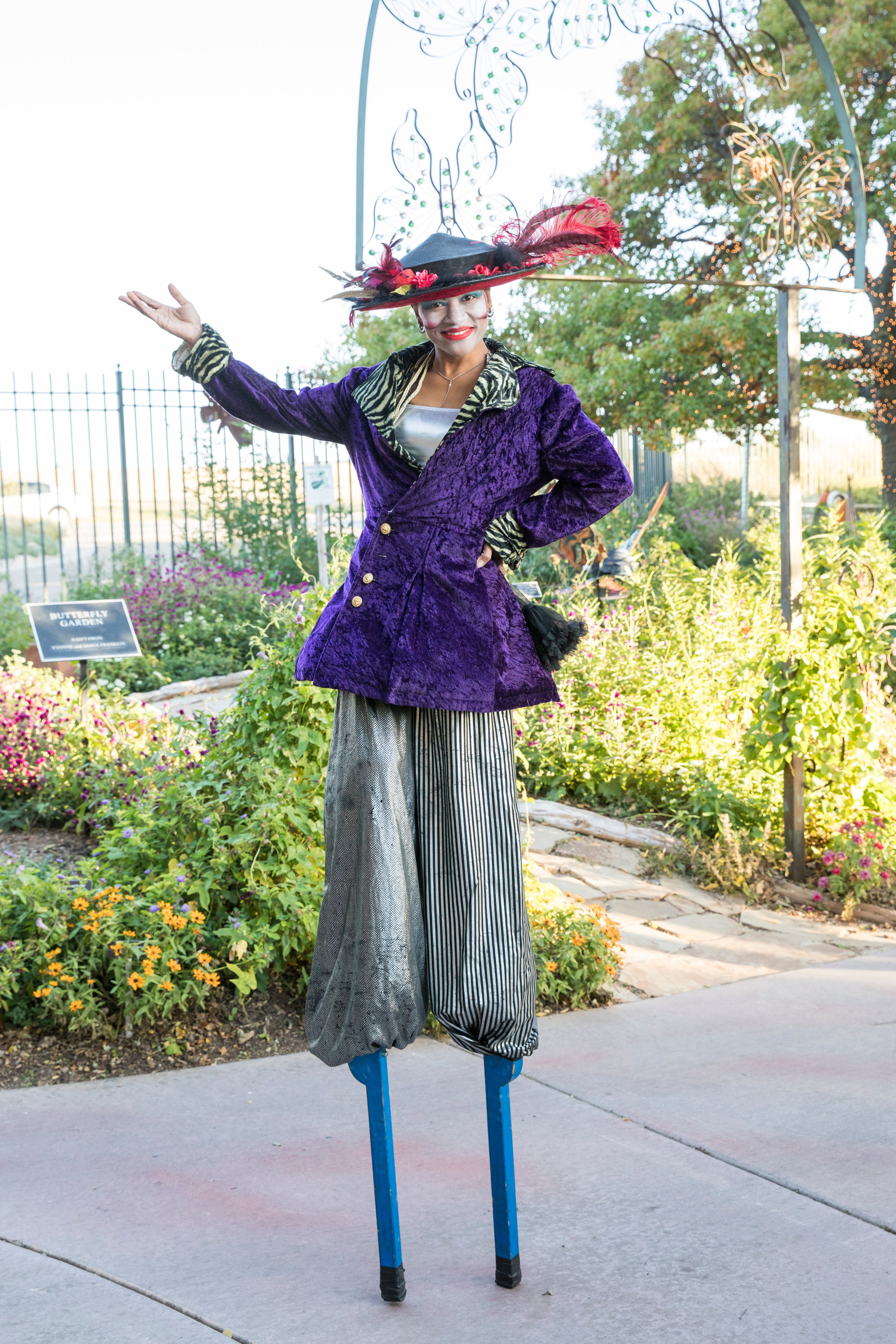 Entertainment at the Mad Hatter's Ball at Amarillo Botanical Gardens, photographed by jenny Edwards Photo,