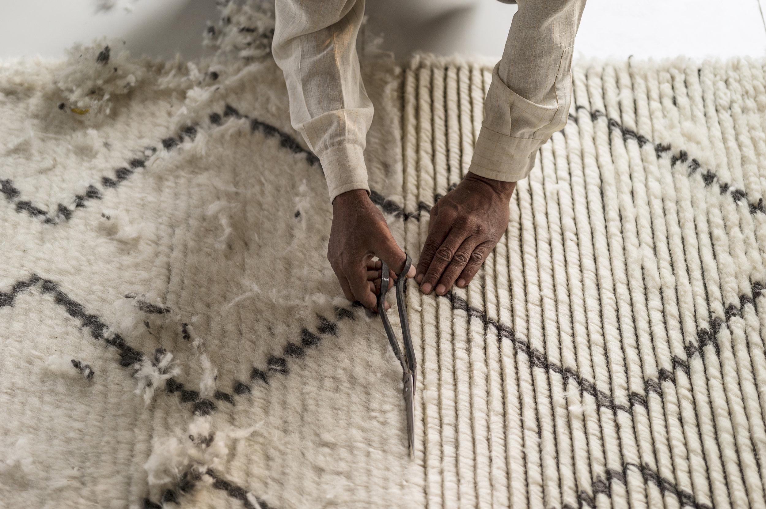 An artisan during the handmade process.