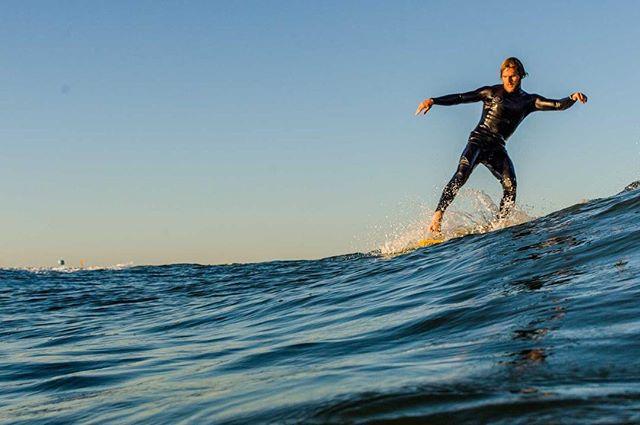 @nw_surf eyes on the prize 📸: @jasperjarden  #logjamming#onefintorulethemall#goplayoutside