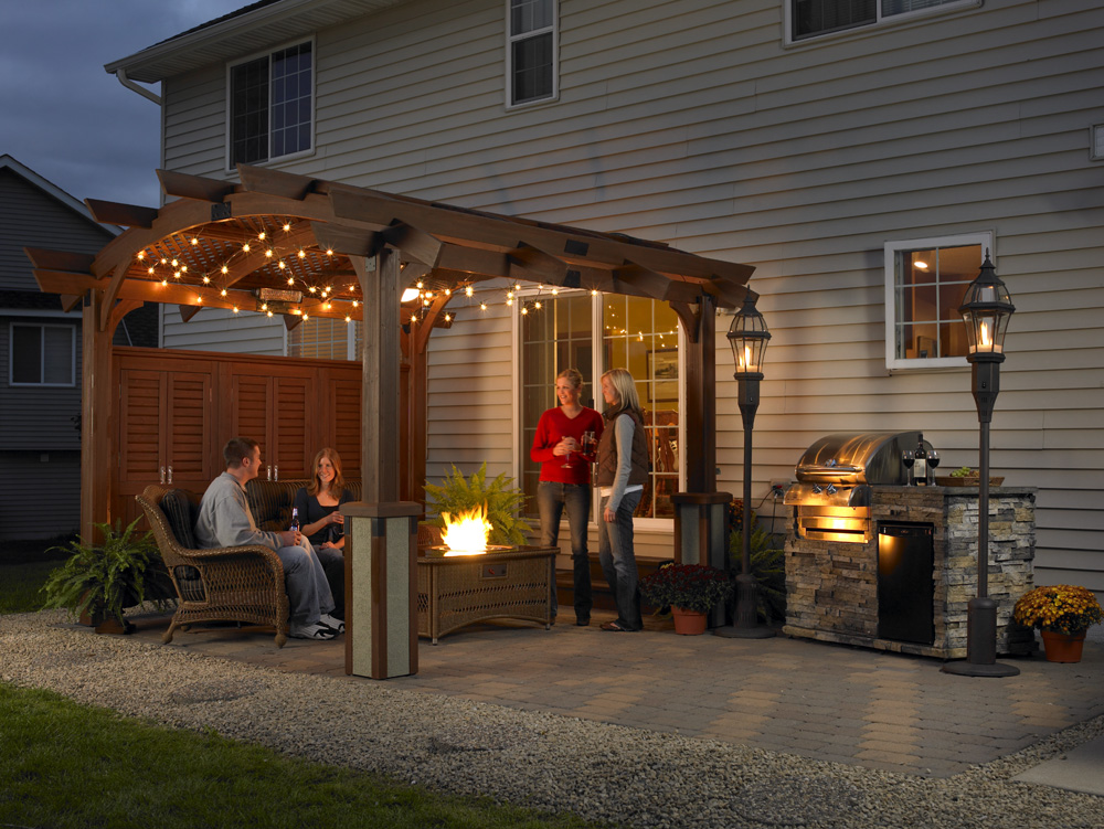 Image from outdoorrooms.com.