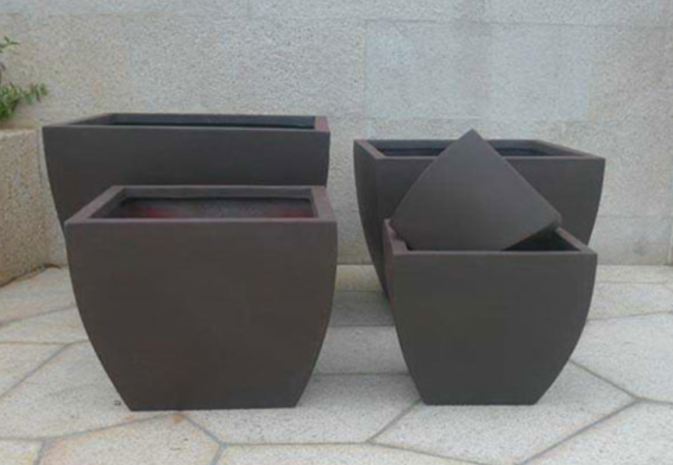 Add a blast of style to your Hudson Valley Landscaping with large potters-Photo courtesy www.my-gardenroom.co.uk