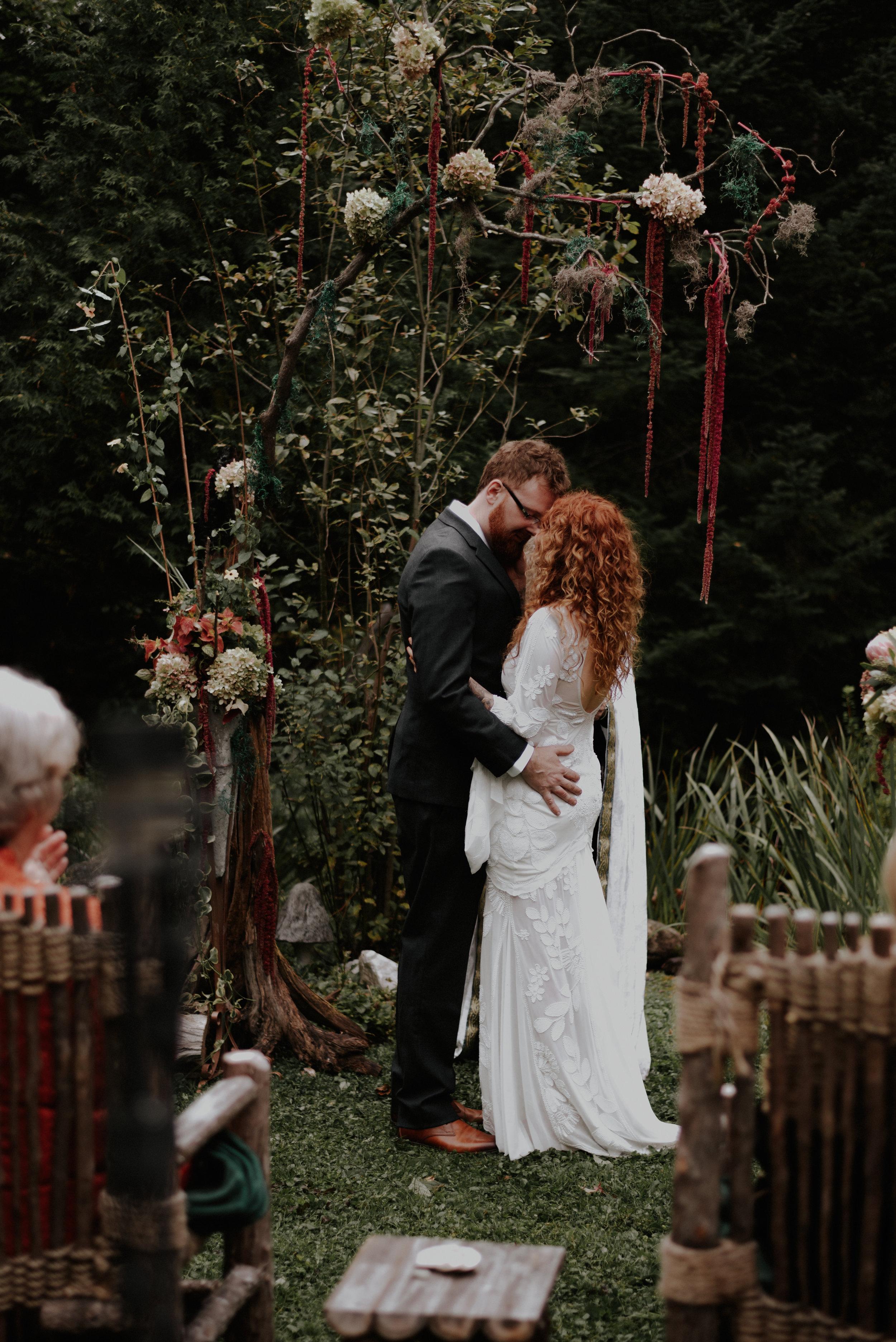 wildsoulsstudio-woodland-intimate-newengland-wedding-lake willoughby-96.jpg