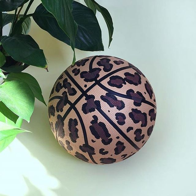 Game on!🐆💛🏀 by @useless_treasures #basketball #leopard #leopardprint #veganart #neverleather #neverfur @fruitenveg