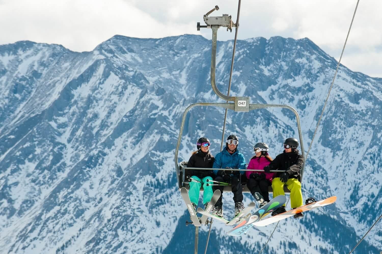Tourism_Canmore_Kananaskis_Winter-42.jpg