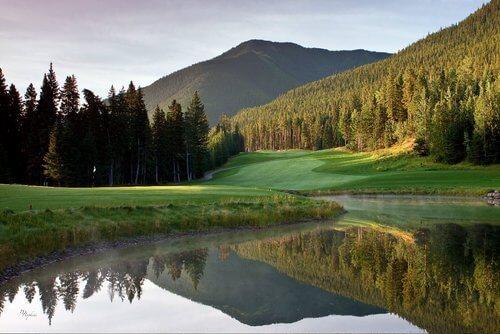solara-Resort-golfing-canmore