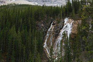 Grassi_Lakes_Waterfall_-_Canmore.jpg