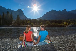 Picnic_on_the_Bow_River_1.jpg