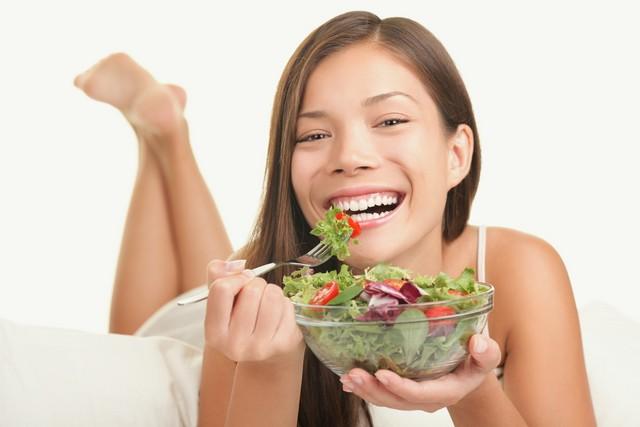 Oh my god, guys. Salad makes me so happy .