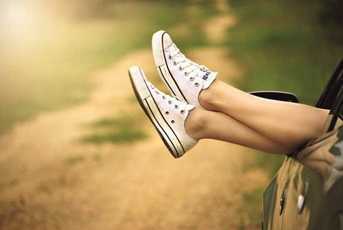 legs-window-car-dirt-road-51397.jpeg
