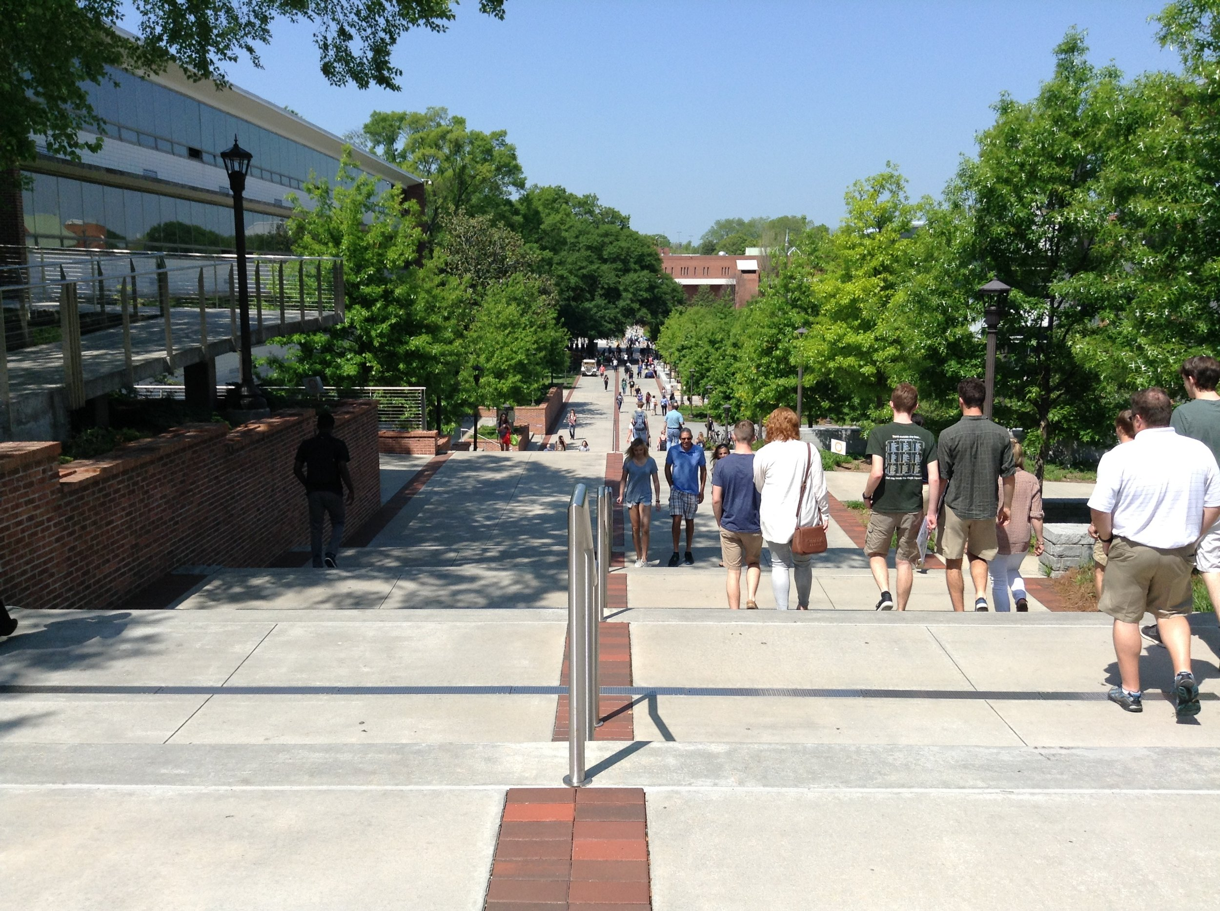 GEORGIA TECH'S MAIN WALK