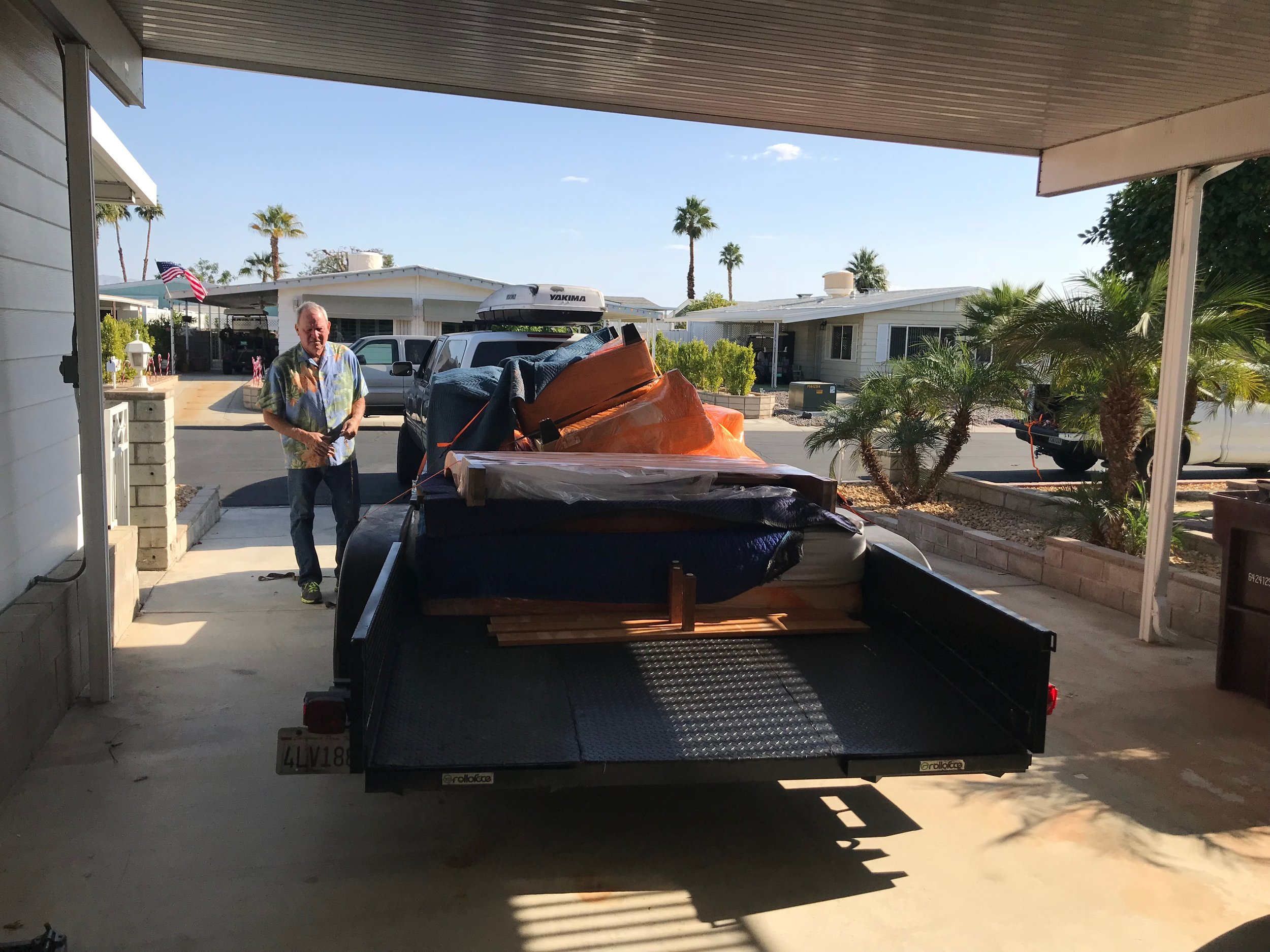 Most of the furniture in the desert house has just been storage for unwanted pieces and there was never a design plan. That changes today. we are removing the clutter and starting fresh.