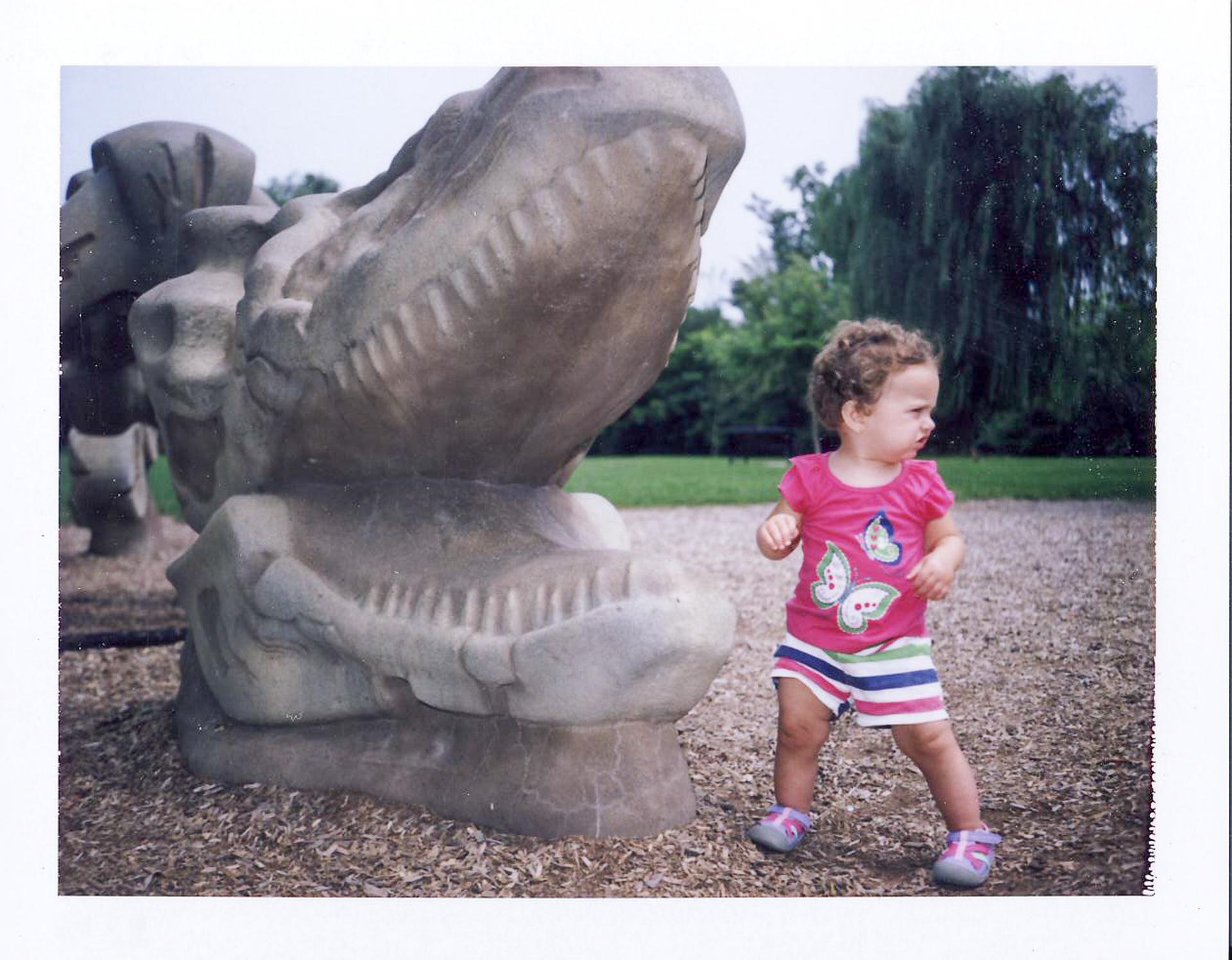 Olive Finds a Dinosaur (Bones)