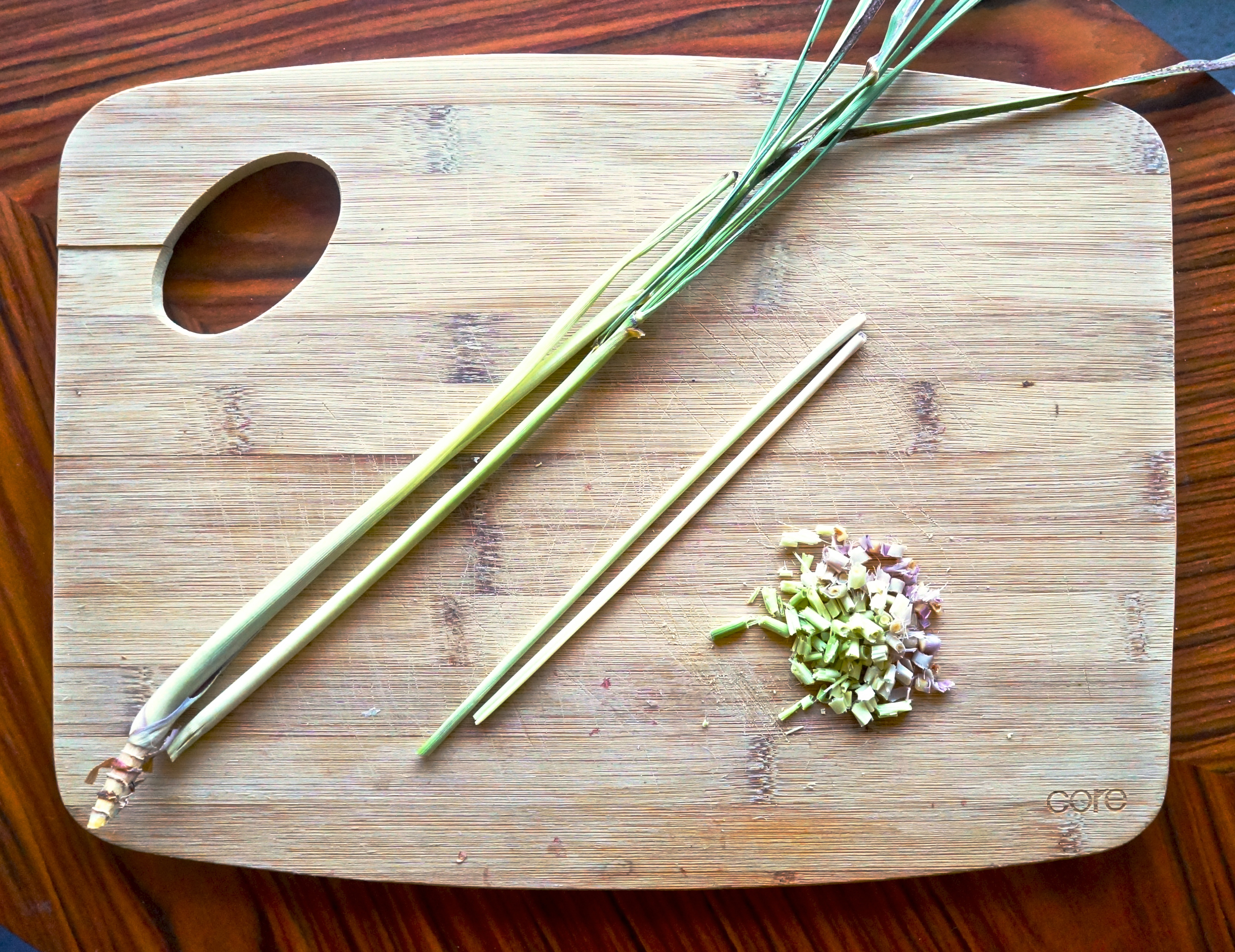 lemongrass-stalks-trimmed-chopped.jpg