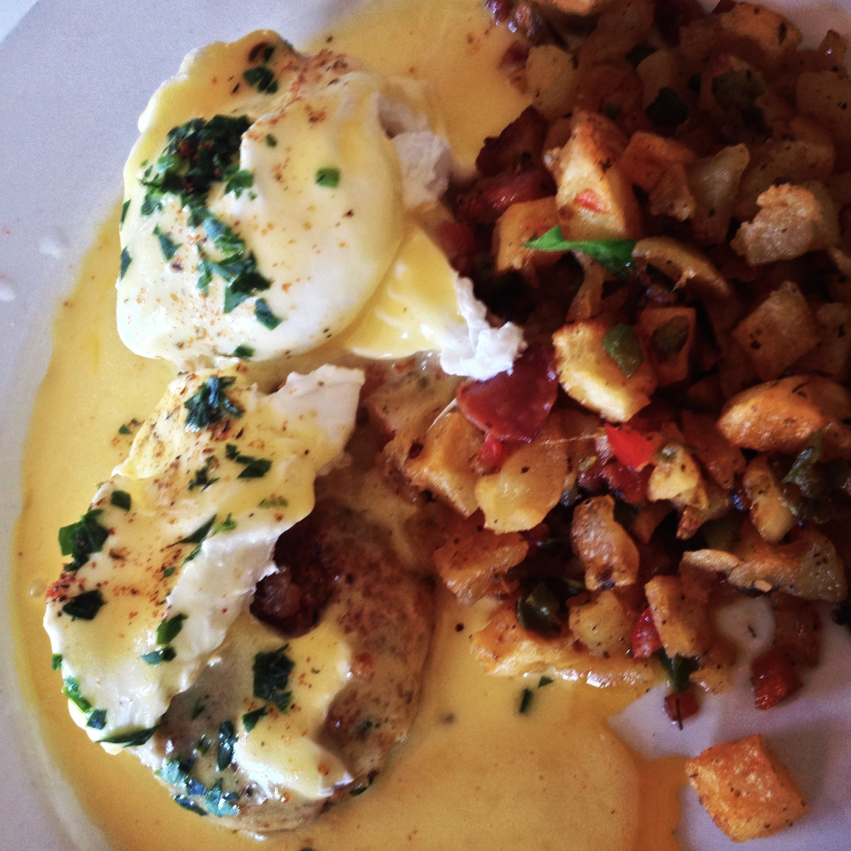crab-cakes-eggs-ralph-brennans-jazz-kitchen.jpg