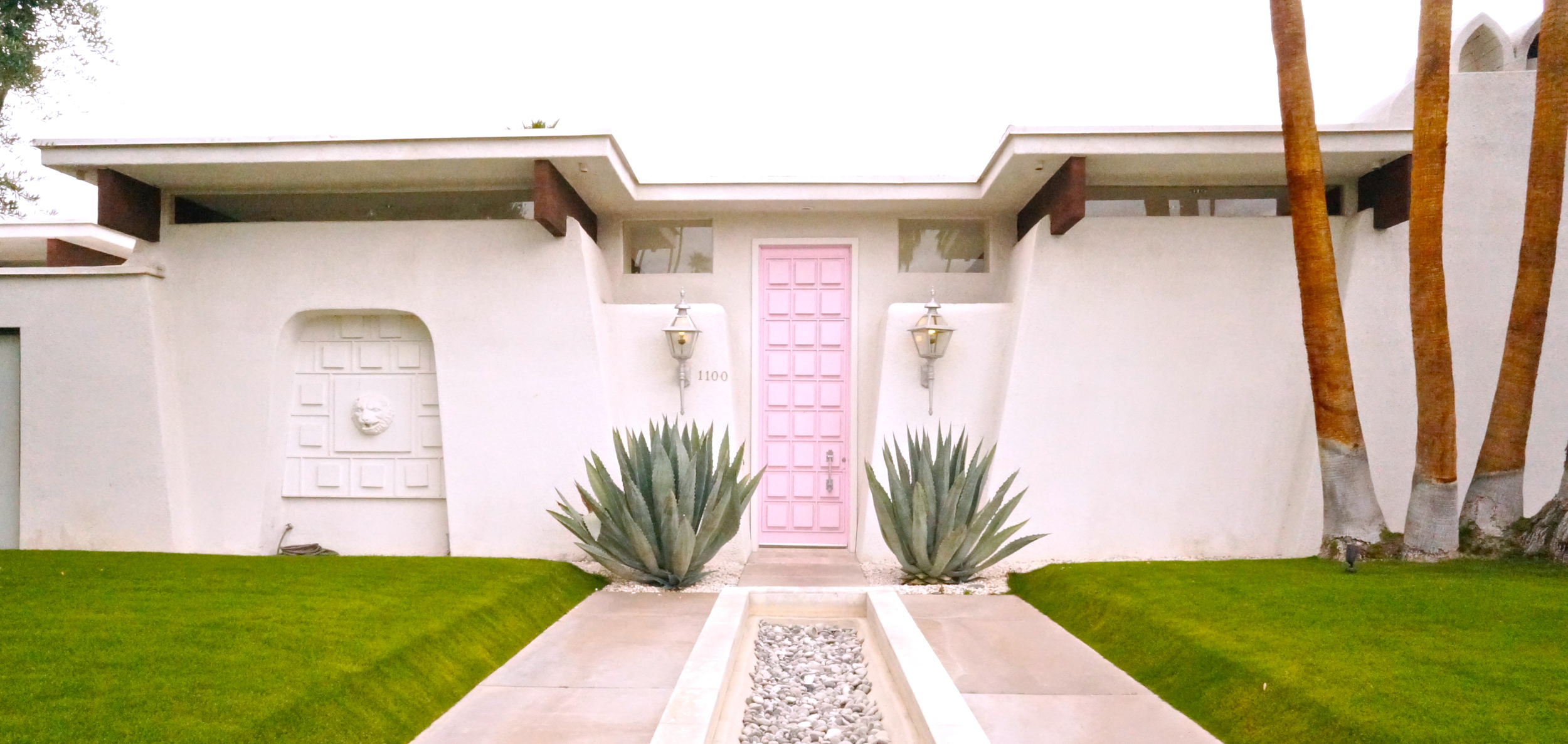 pink-door-house-palm-springs.jpg