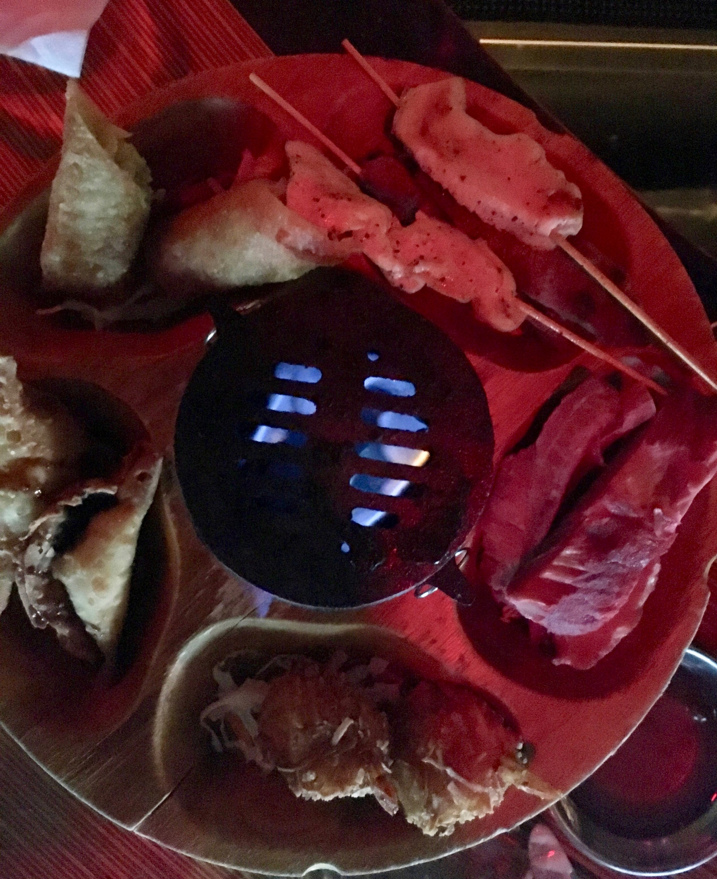 tonga-hut-palm-springs-pupu-platter.jpg