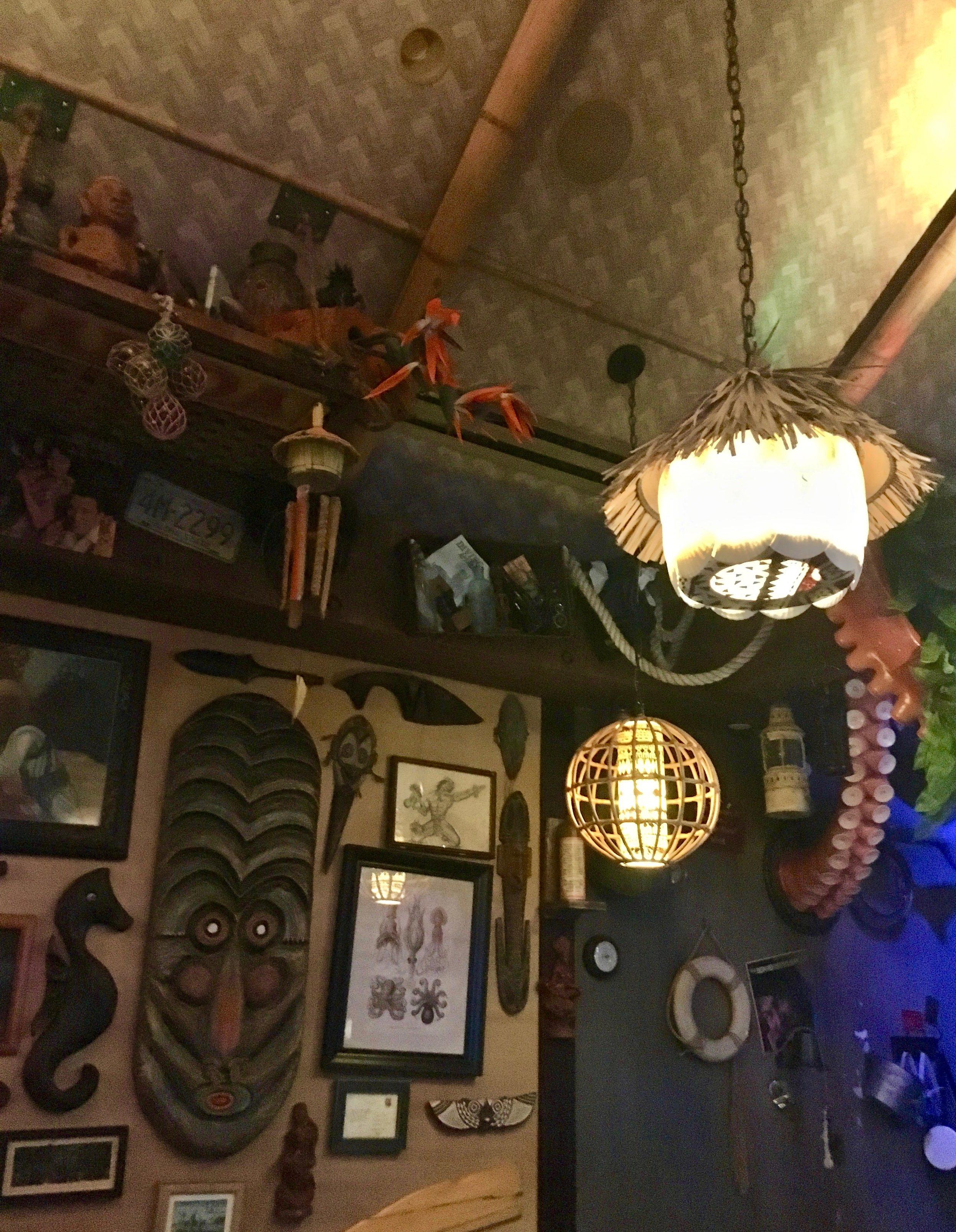 trader-sams-grog-grotto-decor.jpg