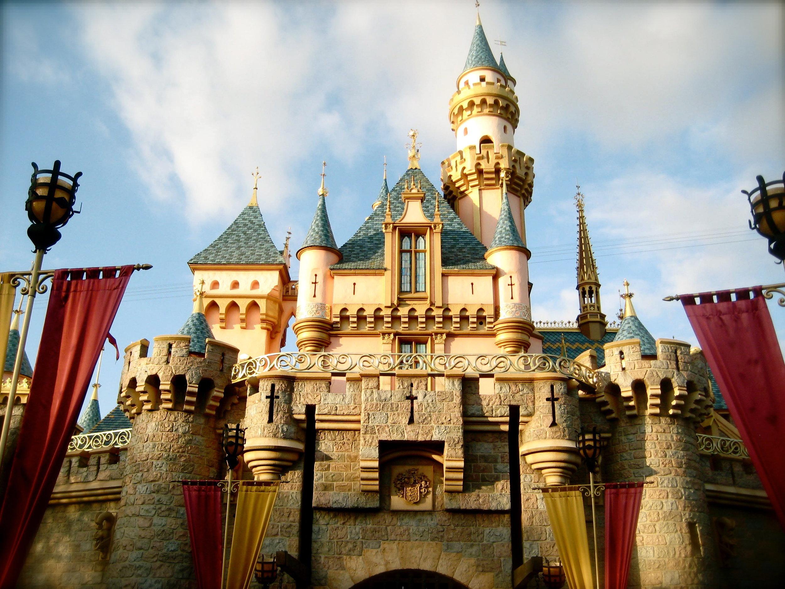 disneyland-sleeping-beauty-castle