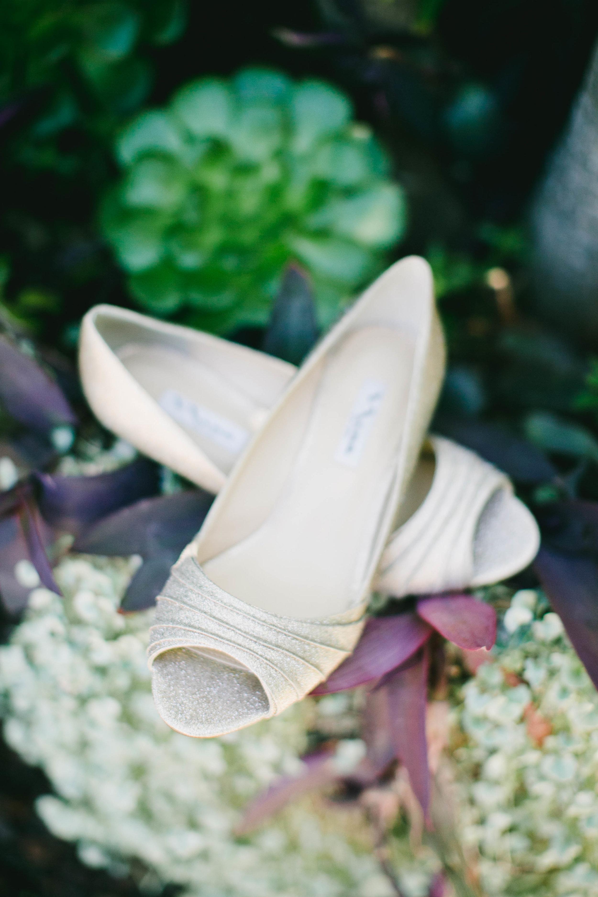 modern-tiki-wedding-shoes.jpg