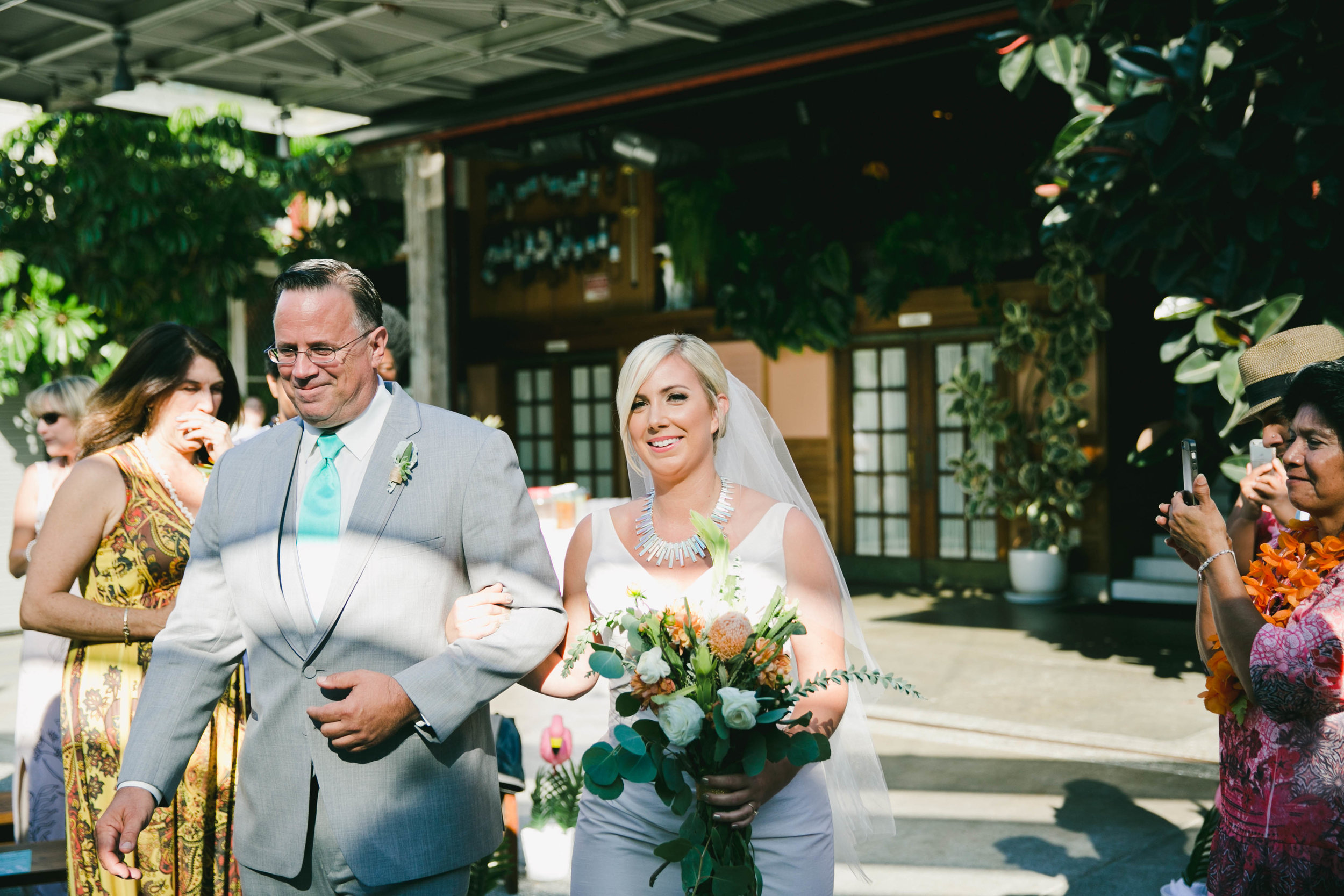 modern-tiki-wedding-aisle.jpg