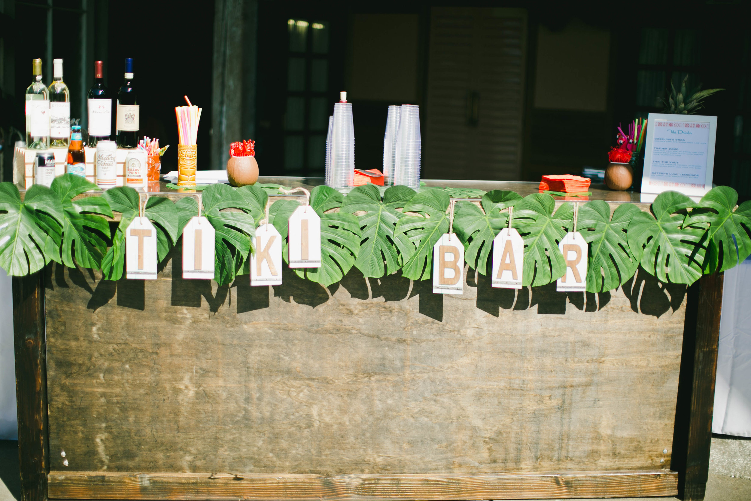 modern-tiki-wedding-bar.jpg