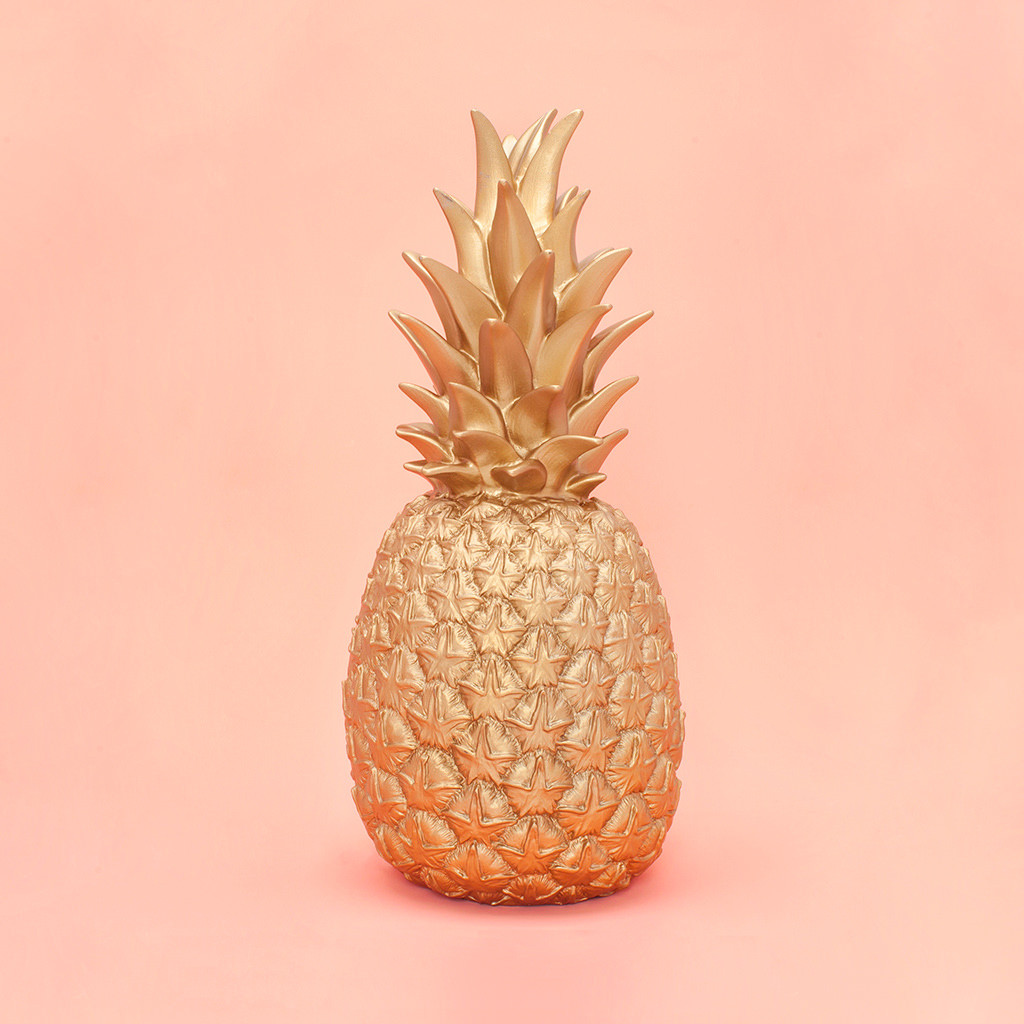 gold-pineapple-lamp.jpg