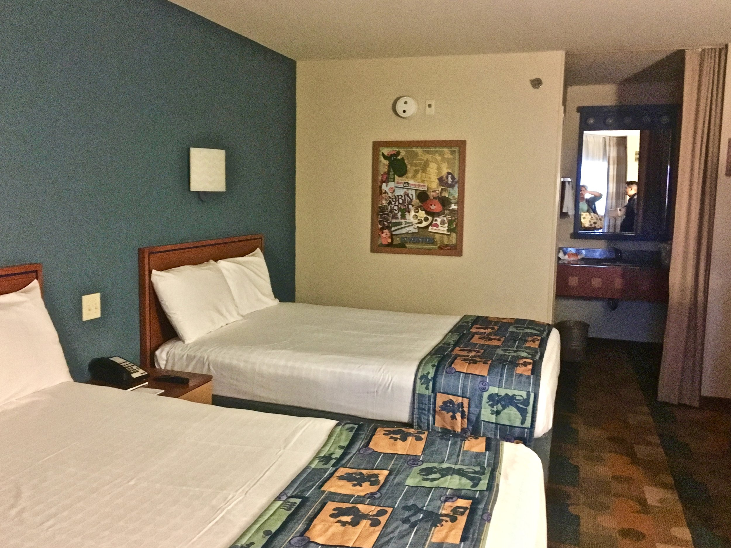pop-century-resort-room.jpg