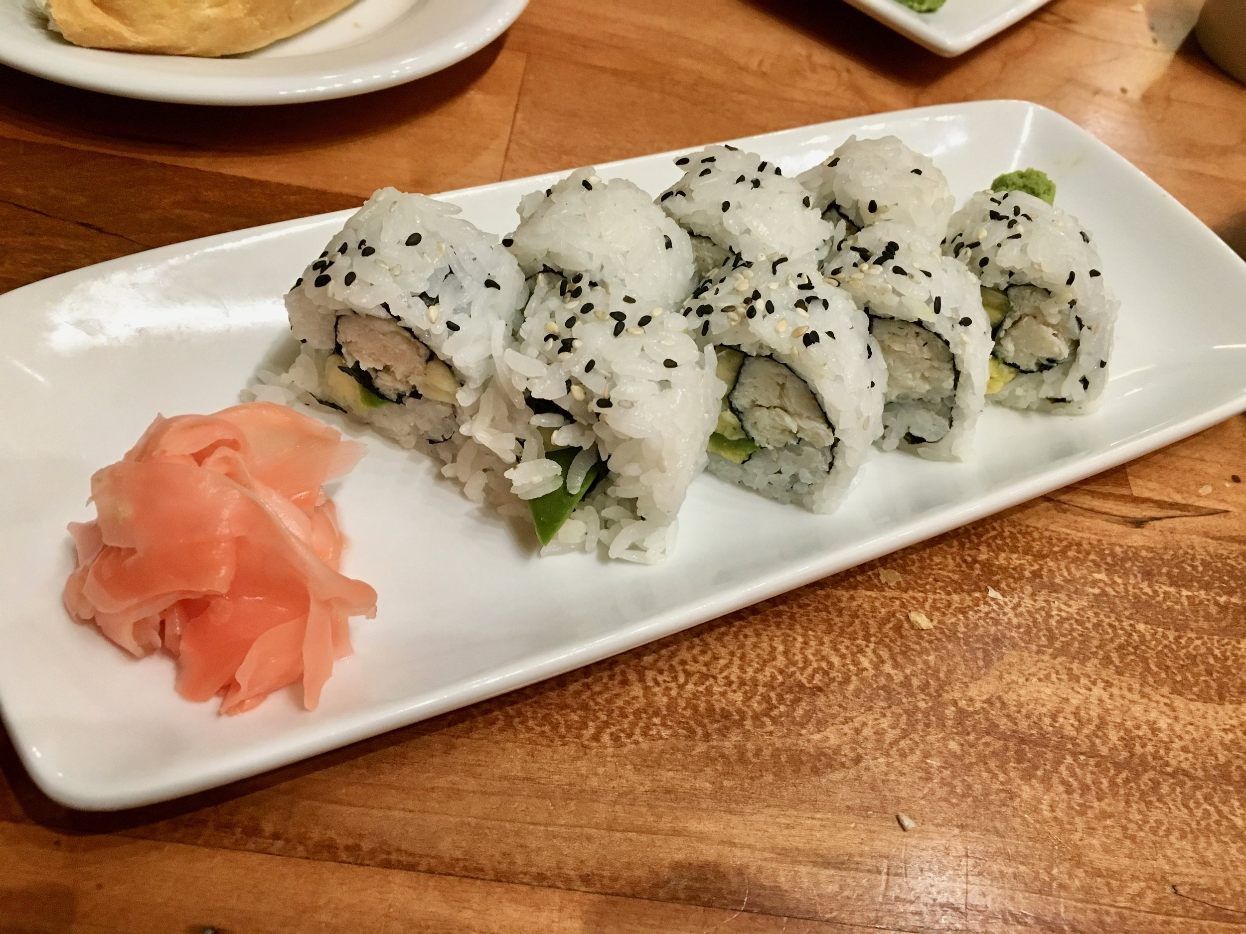 kona-cafe-sushi-roll.jpg