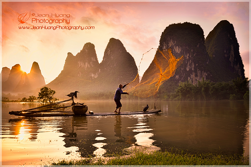 Fisherman-Casting-Fish-Net-in-Sunset--Xingping-China-Copyright-Jean-Huang-Photography