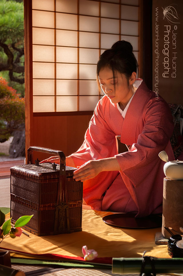 Lady-Performing-Tea-Ceremony-©Jean-Huang-Photography