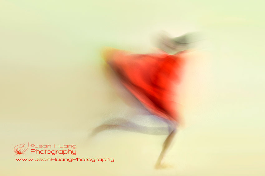 Lady-in-Red-Running-like-a-Swift-©Jean-Huang-Photography