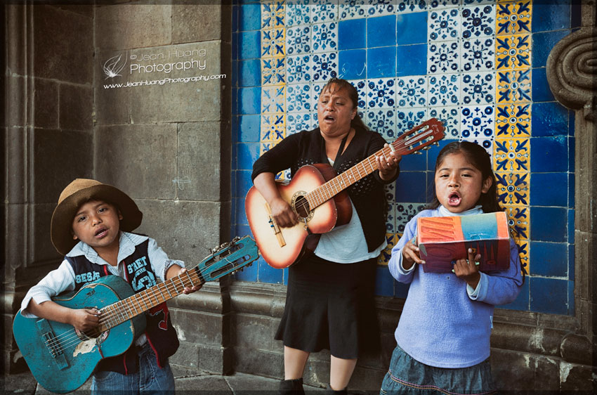 Singing-Trio-in-Old-Town-Mexico-City-Copyright-Jean-Huang-Photography