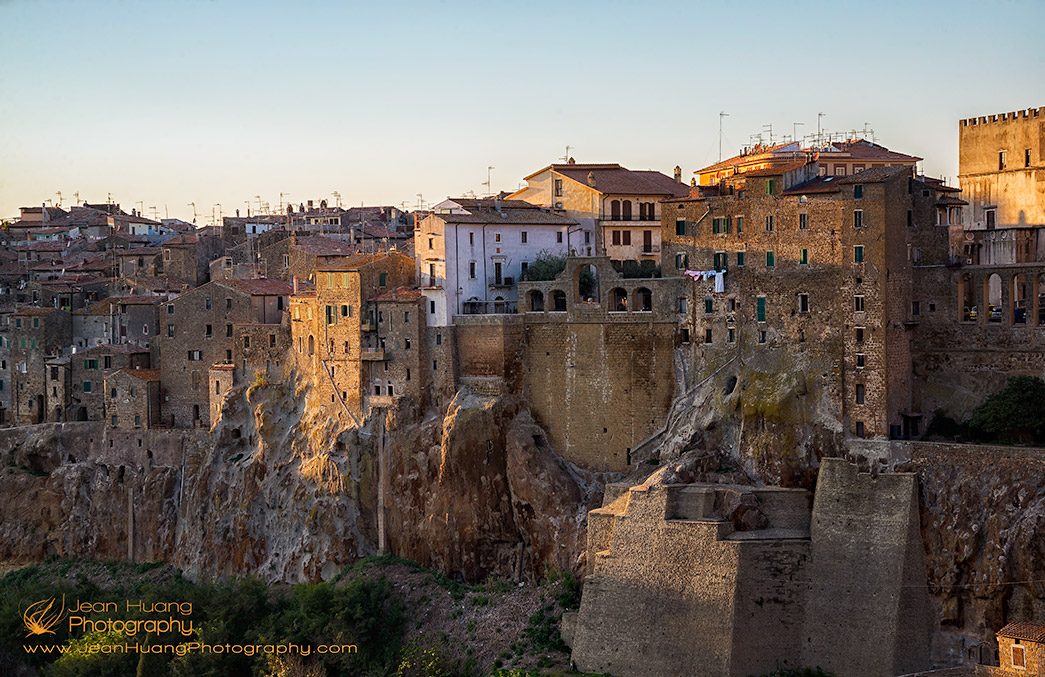 The-Village-that-Grew-Out-of-Tufa-Rock-Pitigliano-Grosseto-Tuscany-Italy-Copyright-Jean-Huang-Photography