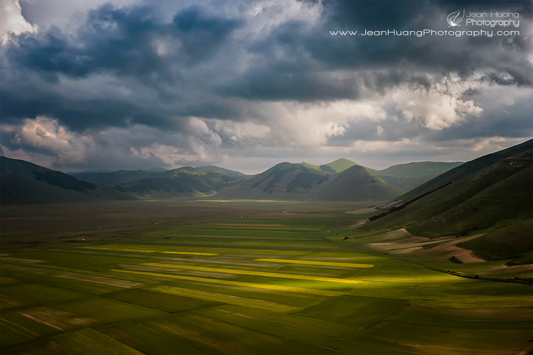 Piano-Grande-being-Lit-by-Mirror-Like-Light-in-Stormy-Weather-Castelluccio-di-Norcia-Umbria-Italy-Copyright-Jean-Huang-Photography