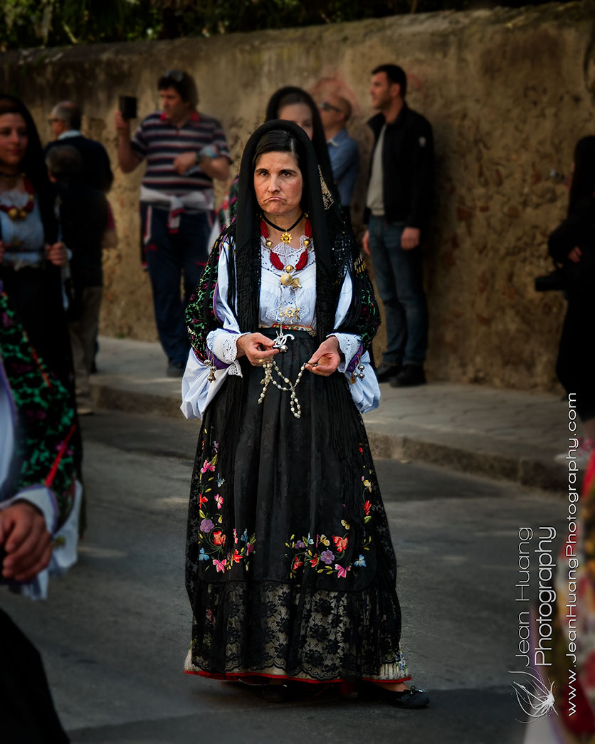 Woman-in-Traditional-Costume-Festa-di-san'Efisio-Cagliari-Sardegna-Italy-Copyright-Jean-Huang-Photography