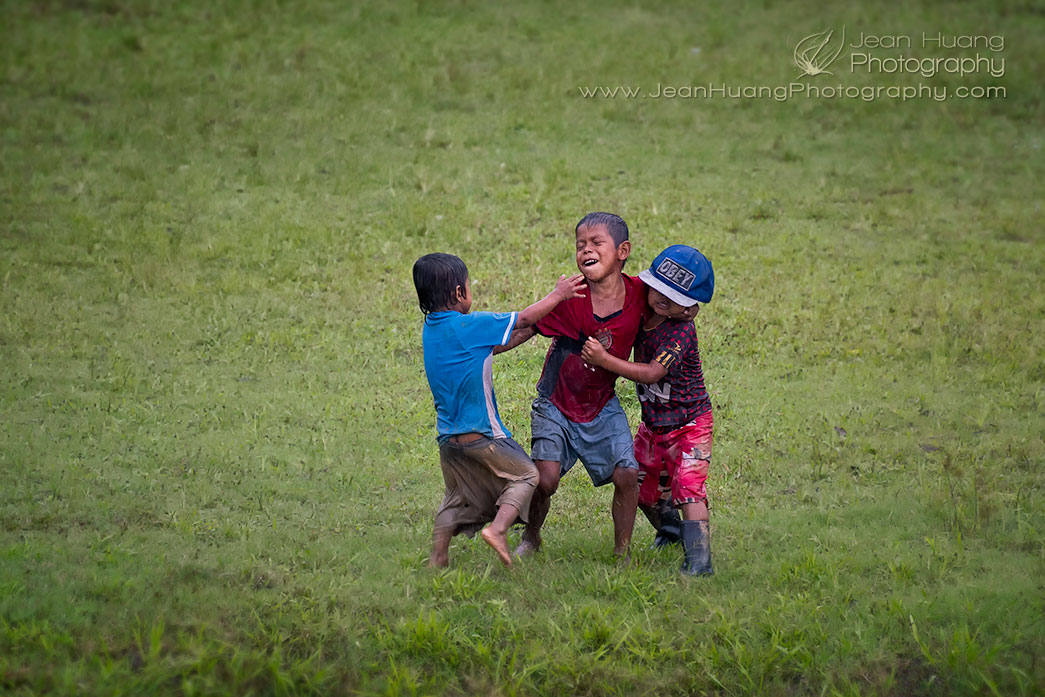 Children-Playing-in-Rain-Casual-Amazon-Peru-Copyright-Jean-Huang-Photography-(1)