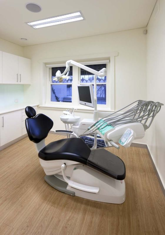 dental chair_1.jpg