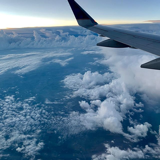 Look at these clouds! After a beautiful but bumpy ride last night, I'm excited to be in Hartford to music direct the 10-day @vocalauditionadvantage  @theharttschool. ALSO can't wait to hang (🍻) with @davidlefky and @liftondebbie all week 👪 Let's break some 🥚🥚🍳!!! . . #piano #pianist #vaa #vocalauditionadvantage #summer #musicdirector #flight #clouds #nofilter
