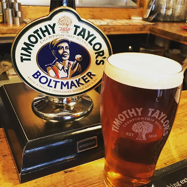 Weather outside is terrible but we have a champion Bitter on Cask from @timothytaylorsbrewery its a beautiful balanced beer with maltiness and hoppy aroma 🙏🏼#caskale #caskaleweek #timothytaylors #timothytaylorsboltmaker #boltmakersarms #stockport #heatonhops #heatonchapel