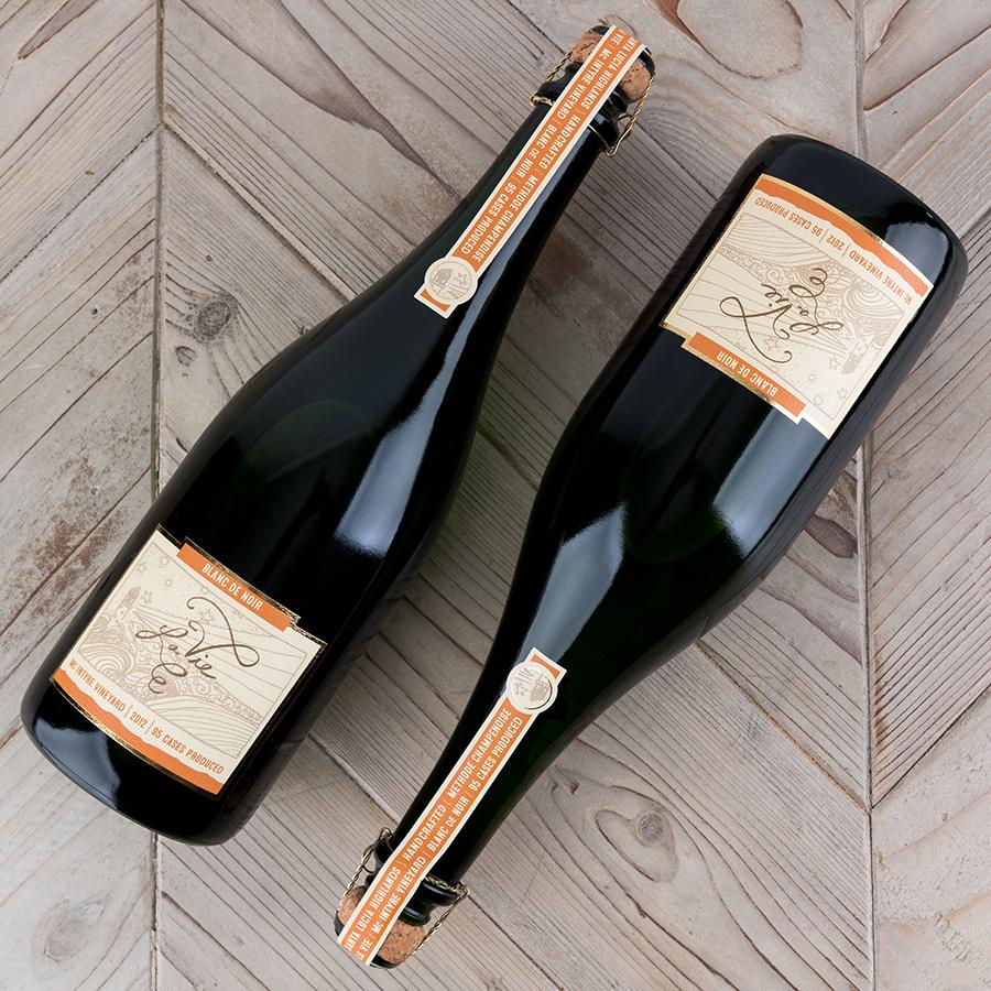 La Vie Blanc de Noir Wine Label Design
