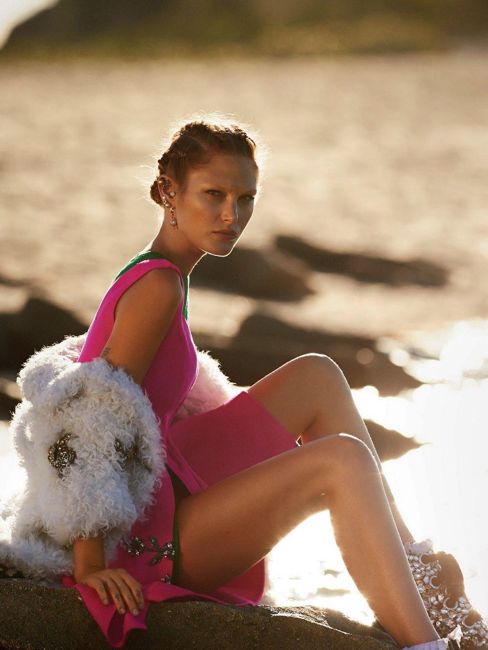Catherine-McNeil-by-Gilles-Bensimon-for-Vogue-Australia-October-2014-7.jpg
