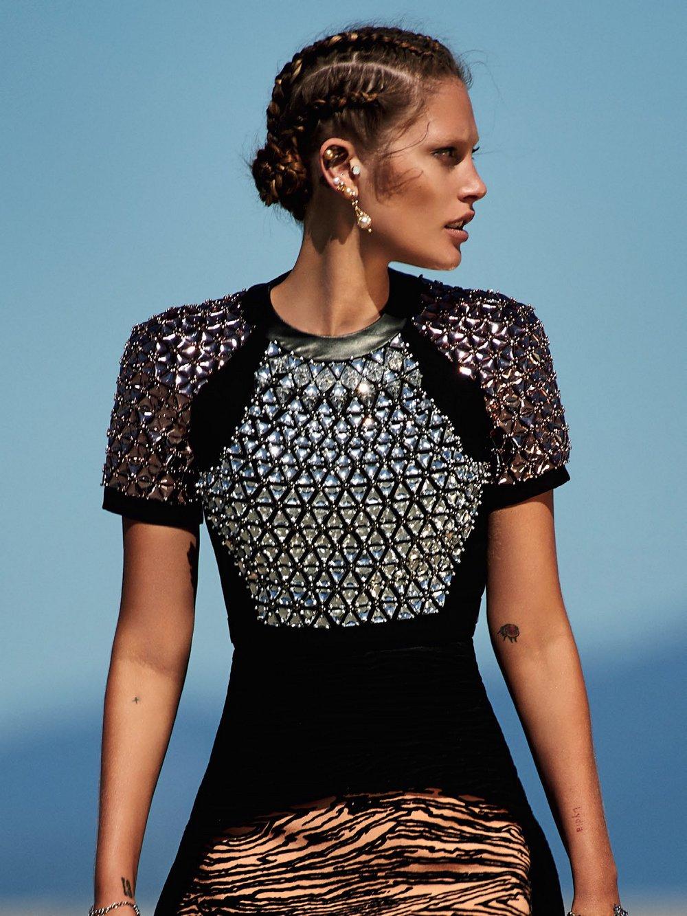 Catherine-McNeil-by-Gilles-Bensimon-for-Vogue-Australia-October-2014-8.jpg