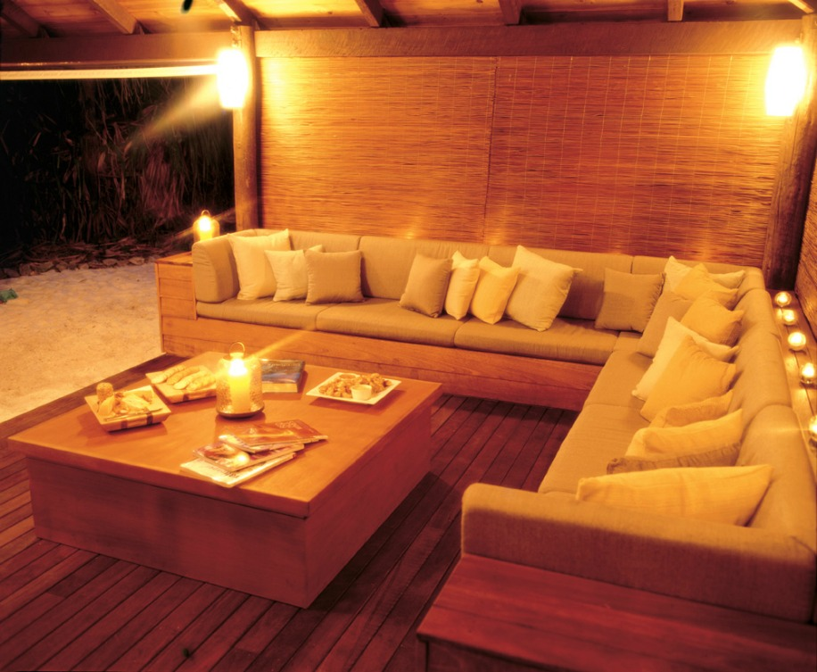 Longhouse_Lounge.jpg
