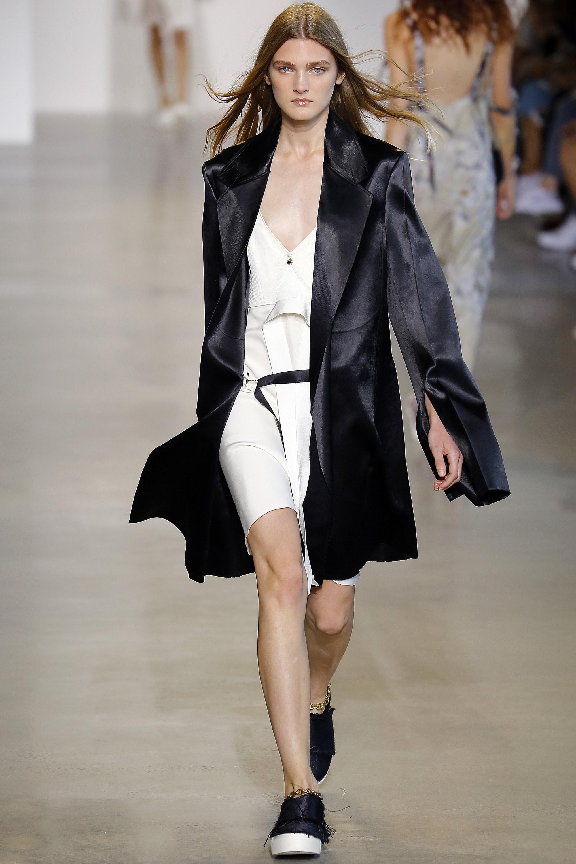 Calvin-Klein-Collection-Spring-2016-Ready-to-wear13.jpg