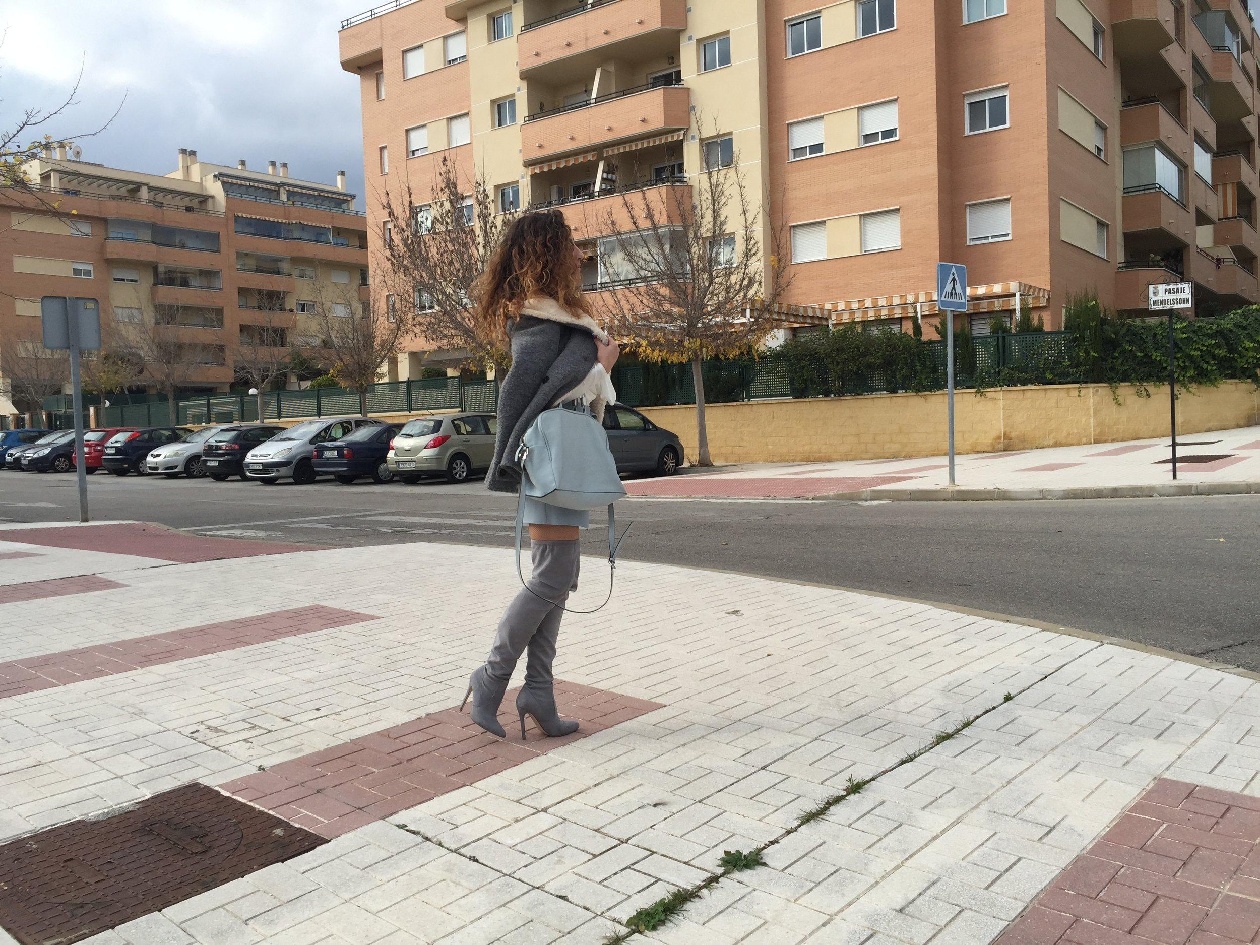 BLUE-SKY-OUTFIT-OF-THE-DAY-STREET-STYLE-FASHION-BLOGGER