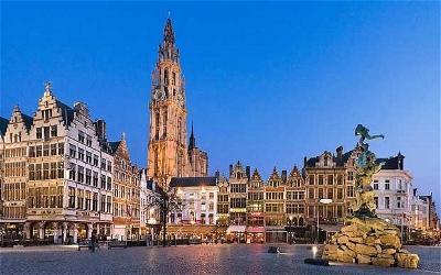 Antwerp by night, Unesco Heritage site.